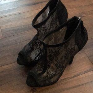 Bebe Peep toe lace booties size 8